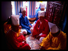 Cai Dai Monks (eric+x) Tags: 120 mamiya 645 slide vietnam fujifilm tayninh rvp100 protl
