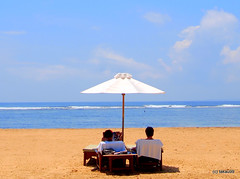 Beach Parasol, Bali (_takau99) Tags: ocean trip travel sea vacation bali holiday beach topv111 pen indonesia olympus september parasol 2010 sanur takau99 penlite beachparasol epl1 gettyimagesjapanq1