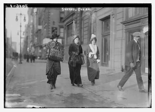 Sunday, 5th Ave. (LOC)