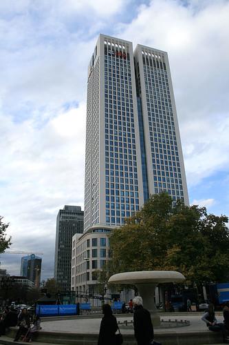 UBC-Hochhaus & Brunnen - Alte Oper Frankfurt