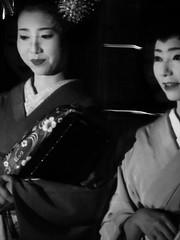 Maiko Mamehana and Geiko Mamechiho in Gion (pchan22) Tags: kyoto maiko geiko gion kyotogion mamechiho mamehana