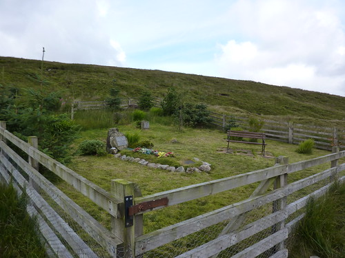 A strange fenced enclosure near High Gayle