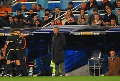 ...y el arbitro expulsa a Mou
