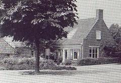 Nieuwbouw, voorheen boerderij met textielwinkel