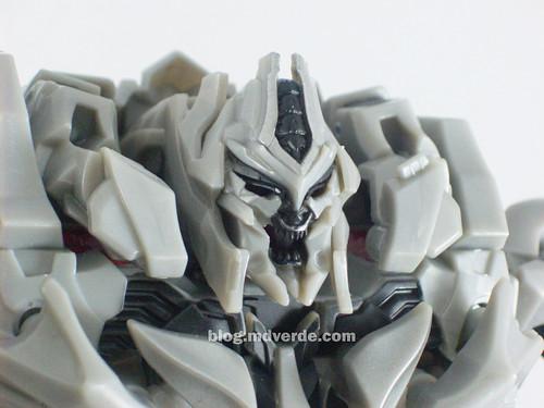 Transformers Megatron RotF Leader - modo robot