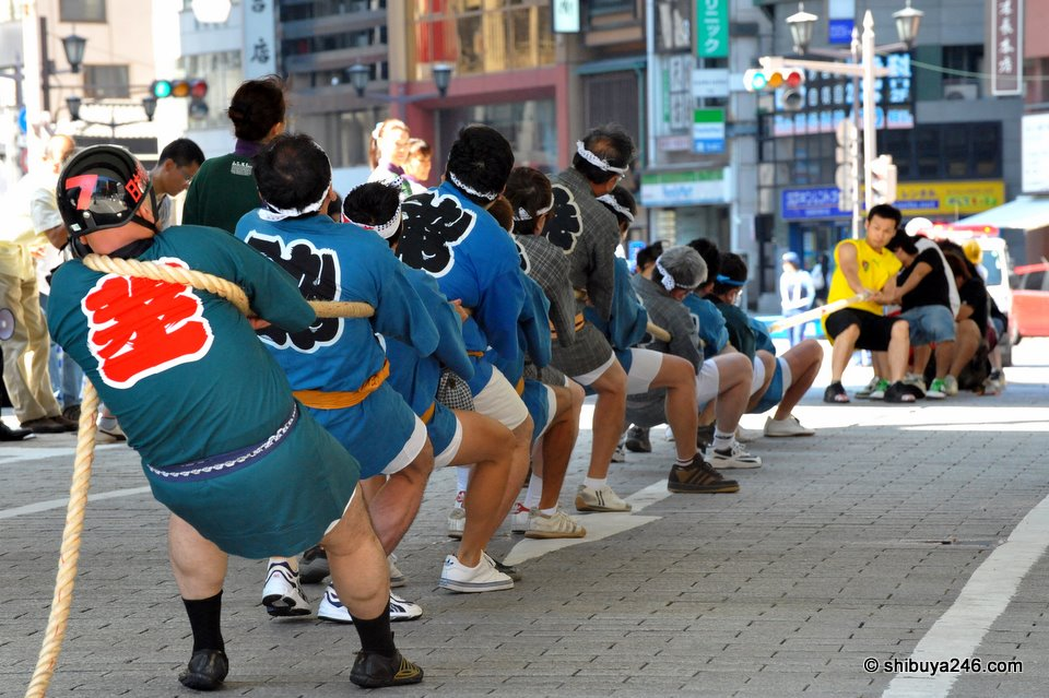 Shinbashi Tug of War