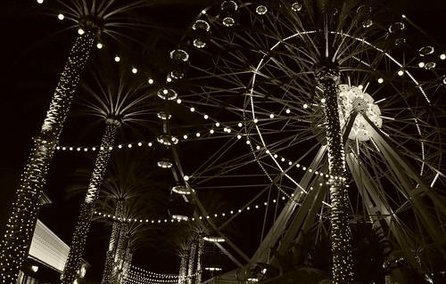 Ferris Wheel @ Irvine Spectrum