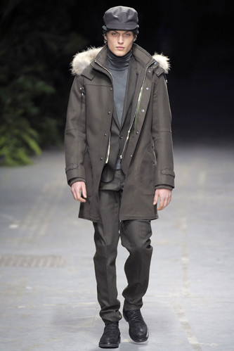 Adrien Brunier3029_FW10_Milan_Costume National_HQ(diorboy@mh)