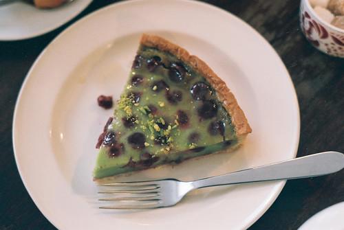 pistachio raspberry tart