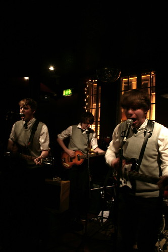 The Pacifics @ The Retro Revival Club in Le Cirk
