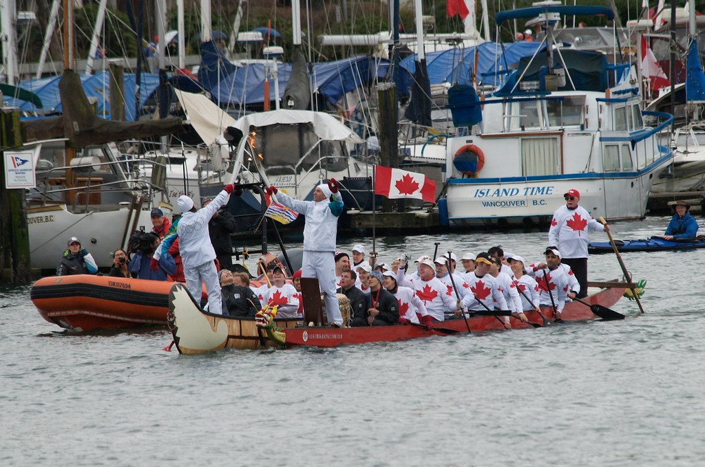 Dragon Boat to Traditional Canoe Transfer