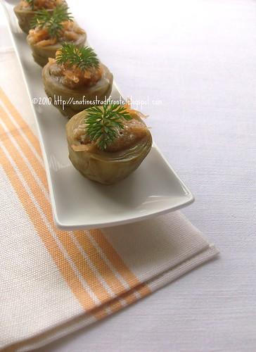 Fondi di carciofo con insalata di amaranto e carote
