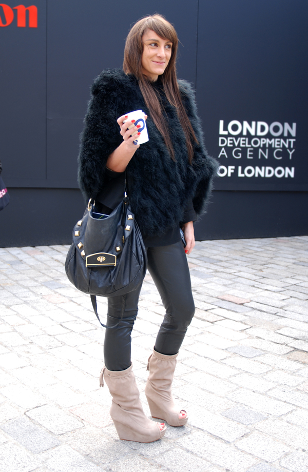 bear_coat_london_fashion_week