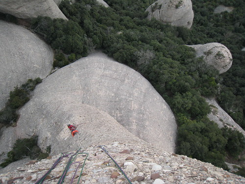 Belaying after the 3rd pitch