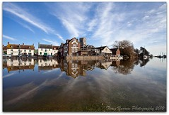 Frome in flood (Terry Yarrow) Tags: canon reflections river flood dorset hightide wareham riverfrome eos5d