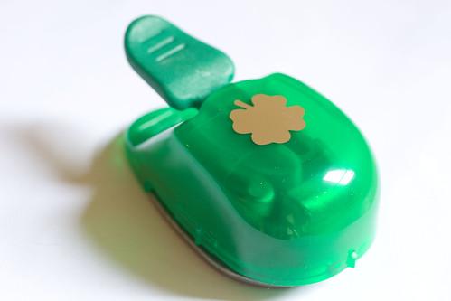4 leaf clover puncher
