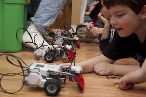 Sumo lego robots