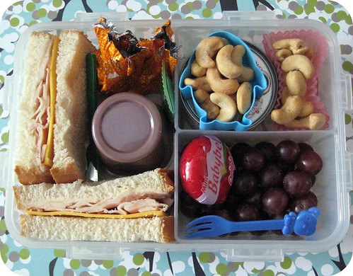 Bento #126 - Simple Sandwich & Nuts