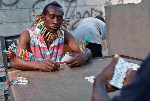 Jugando domino en Haiti