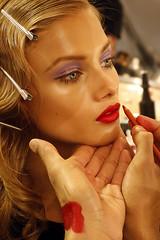 Modella (Daniele Photographer 85) Tags: red beauty make up canon model eyes makeup lips mao redlips shooting rossetto trucco applyinglipstick