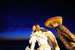 _ND34984 (Vilhelm Sjostrom) Tags: blue sunset red orange woman man detail statue lady bronze night geotagged mexico this dance lenstagged nikon long exposure horizon may have tango hour gradient puertovallarta nikkor proposal gentleman d3 28mmf14d