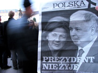 10.04.2010 The Times - outside the Presidential Palace, Warsaw