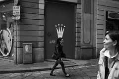 (Donato Buccella / sibemolle) Tags: street blackandwhite bw italy woman milan candid streetphotography viatorino canon400d sibemolle fotografiastradale