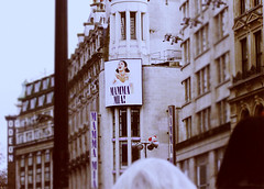 Piccadilly*Circus (heartbreaker [London]) Tags: street cinema london united kingdom piccadilly mama mia odeon