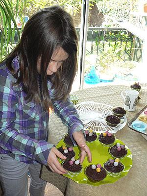 cupcakes et zoé.jpg