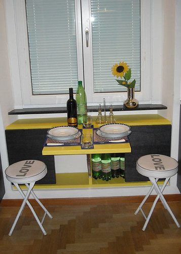 dining-table-small