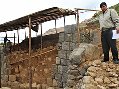 Collapsed Sacsayhuamán wall reveals older adode wall