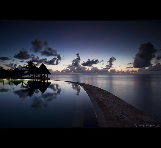 Infinity Pool Sunrise.