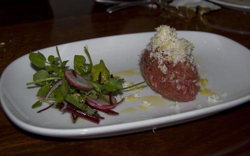 bar lourinha Wagyu 'carne cruda' & shaved horseradish