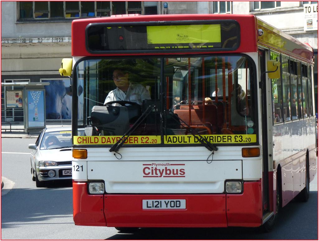 Plymouth Citybus 121 L121YOD