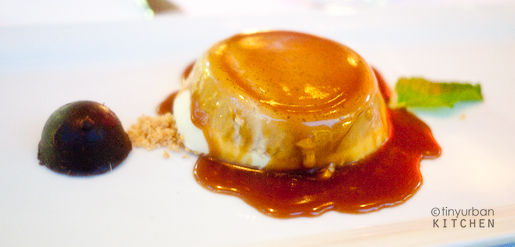 Custard with burnt caramel topping
