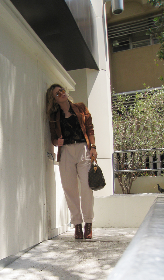 70's+Rust Blazer+Louis Vuitton Bag+Blond waves+khakis -dark