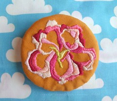 Flower brooch (Carina » Polka & Bloom) Tags: flower clouds embroidery brooch satinstitch