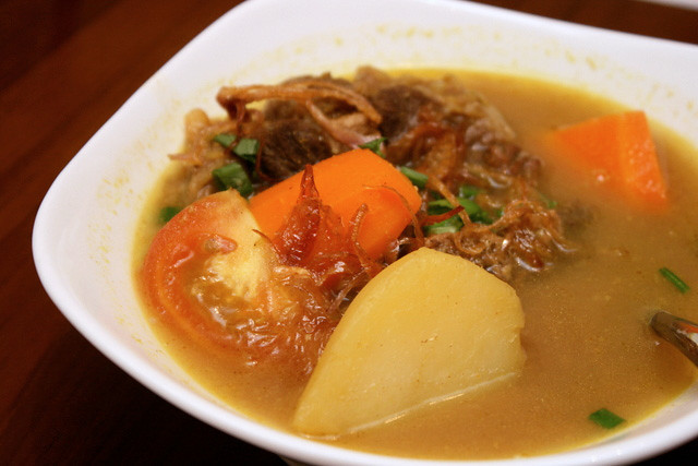 Sup Buntut - Oxtail Soup