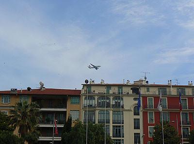 avion au dessus de nice.jpg