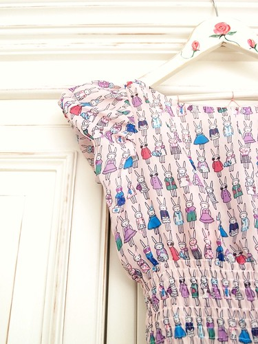 Rabbit print dress - sleeve