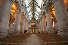 Gloucester nave (Heaven`s Gate (John)) Tags: england art history stone architecture cathedral interior columns harrypotter norman nave gloucester gloucestercathedral johndalkin heavensgatejohn gloucesternave