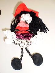 BRUXA FUXIQUEIRA (rosaestilosa) Tags: handmade pano artesanato craft fuxico amizade reciclagem tecido criatividade solidariedade retalho arteirassolidárias