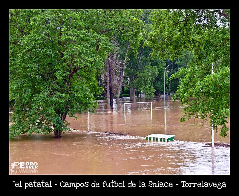 Campos de fútbol de la Sniace - inundaciones Junio 2010 - Torrelavega