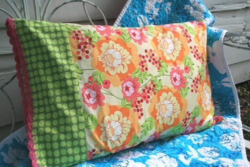 crochet edge pillowcase