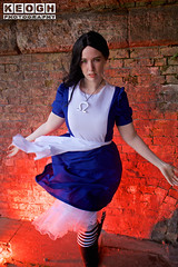 IMG_2424.jpg (Neil Keogh Photography) Tags: fantasy books aliceinotherlands alicemadnessreturns films disney boots lace fiction blue gardens necklace alice nwcosplayjunemeet2016 skirt arch bridge dress tights lewiscarroll tv stones red female green girl americanmcgeesalice aliceinwonderland cosplay alicethroughthelookingglass apron waltdisney black animation cosplayer colourgels cartoon white