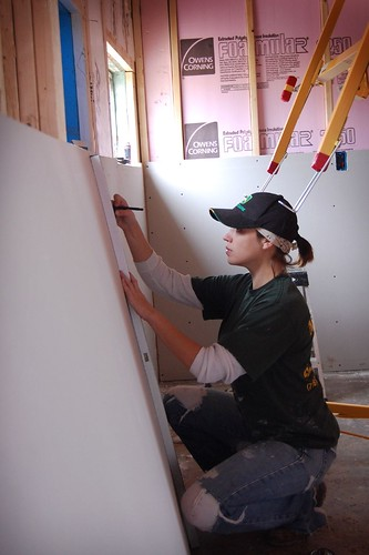 Drywall 101 Hanging Wallboard By Yourself Amp Other Hard Learned Lessons Diydiva