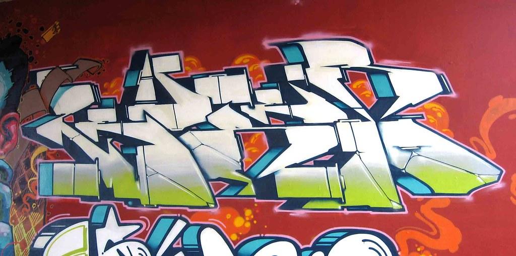 zeus40-2009'-(1)