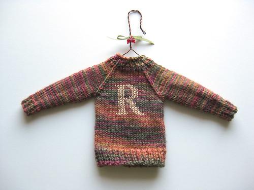 MiniSweater03