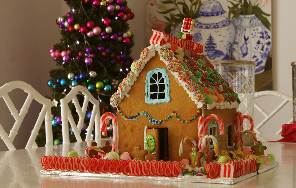 kids gingerbread house 2009