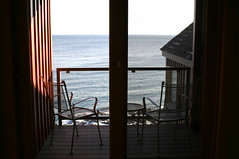 (poe.) Tags: window minnesota northshore porch lakesuperior surfside tofte